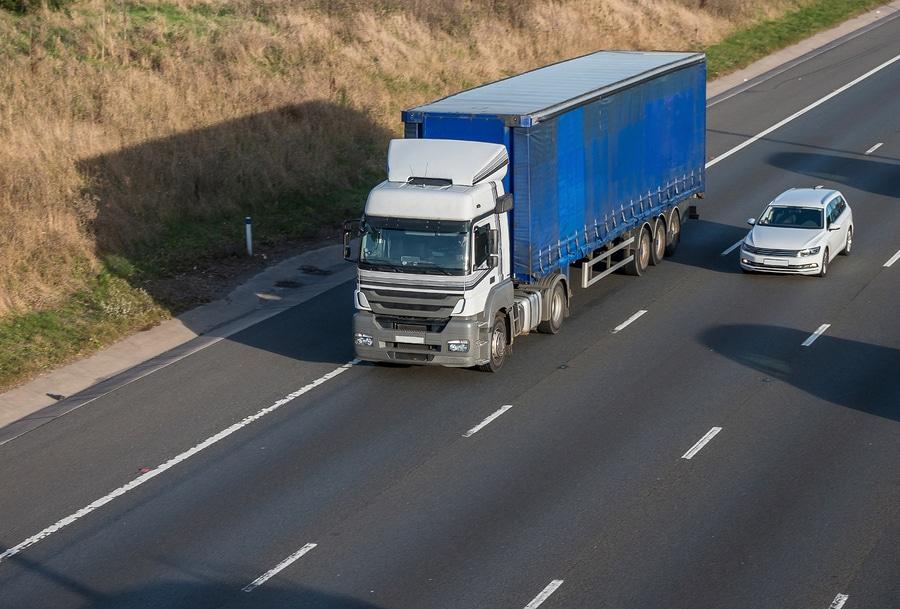 Camionisti Vs Automobilisti, chi ha ragione?